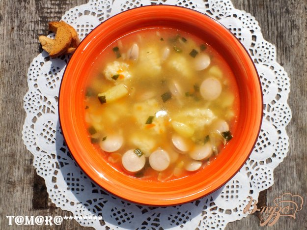 фото рецепта: Суп с сосисками и сырными клецками