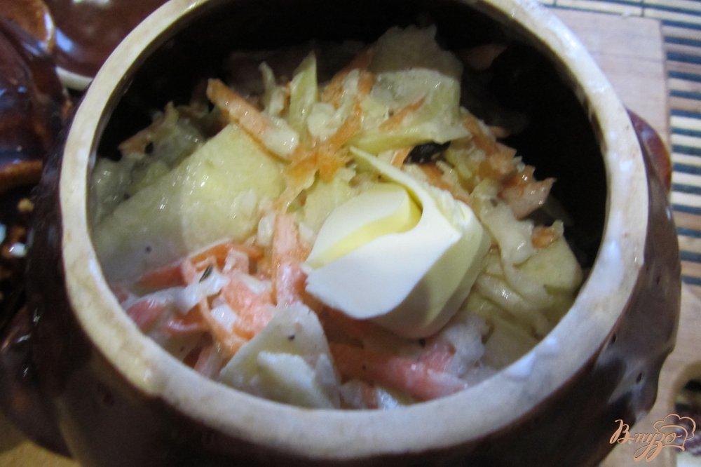 Фото приготовление рецепта: Пиленгас запеченый с картофелем в горшочках шаг №6