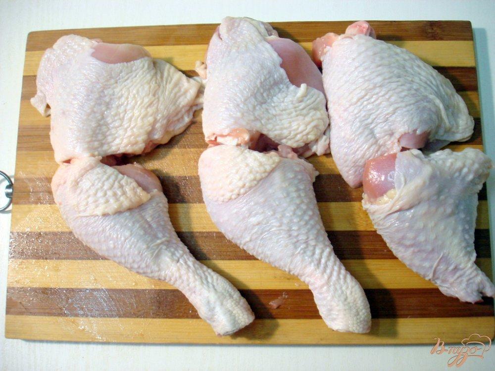 Фото приготовление рецепта: Курица в томатно - луковом соусе шаг №1