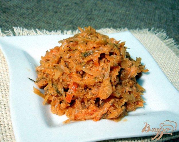 Рецепт Капуста тушёная без мяса в томатно-сметанном соусе