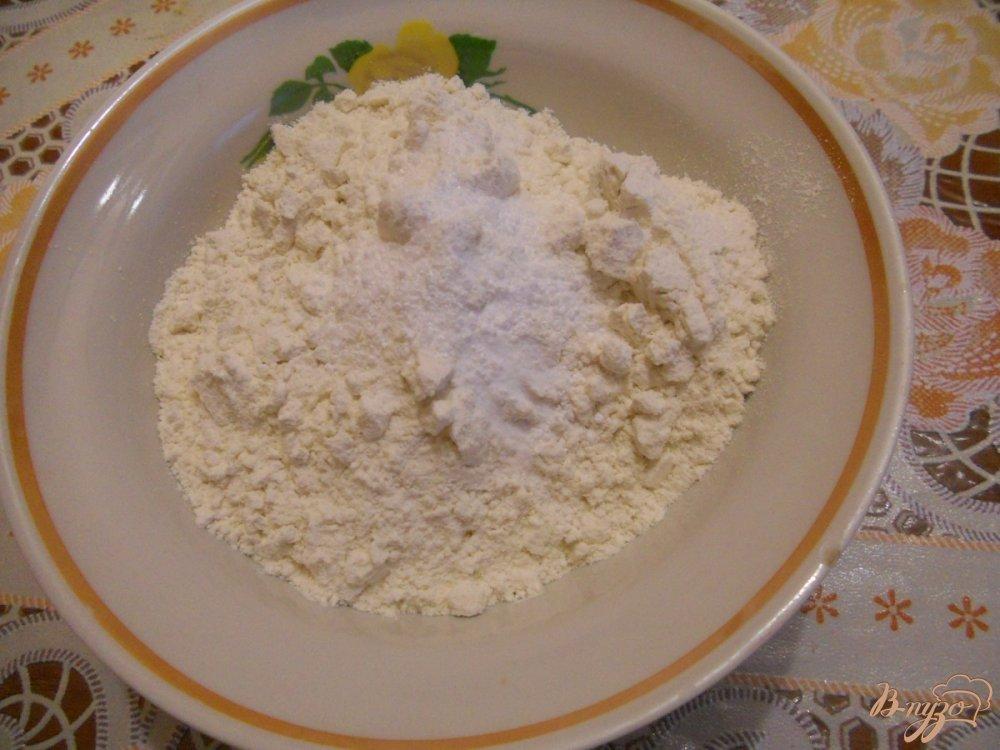 Фото приготовление рецепта: Пирог с вареньем в мультиварке шаг №3
