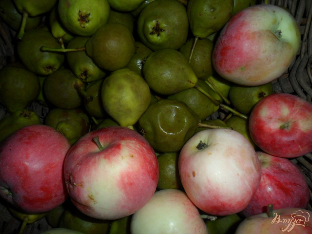 Фото приготовление рецепта: Грушово-яблочный компот на зиму шаг №1