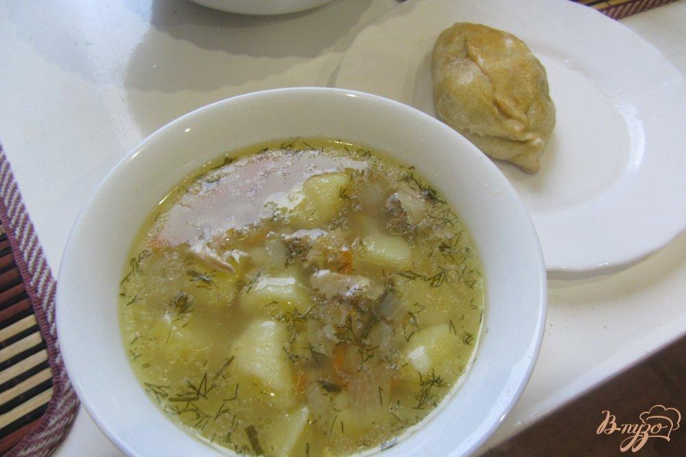 Фото приготовление рецепта: Суп куриный с перловкой без за жарки шаг №8