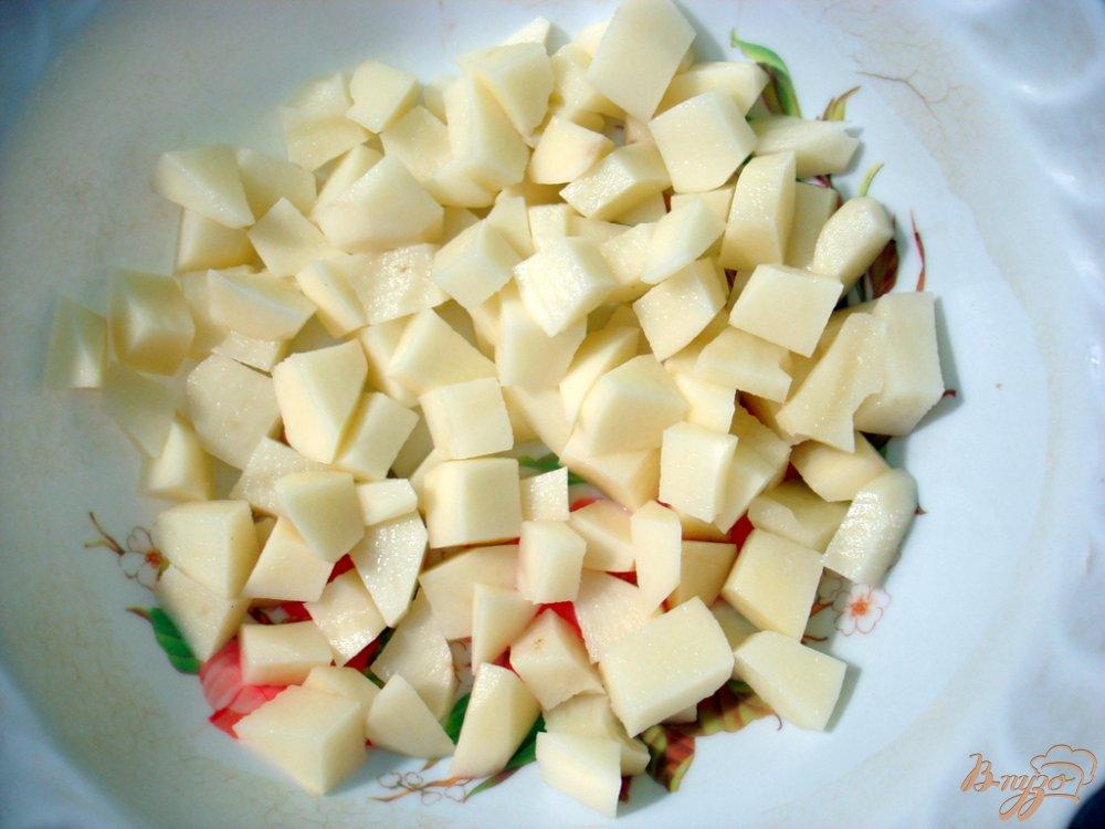 Фото приготовление рецепта: Суп с шампиньонами и сырочками шаг №3