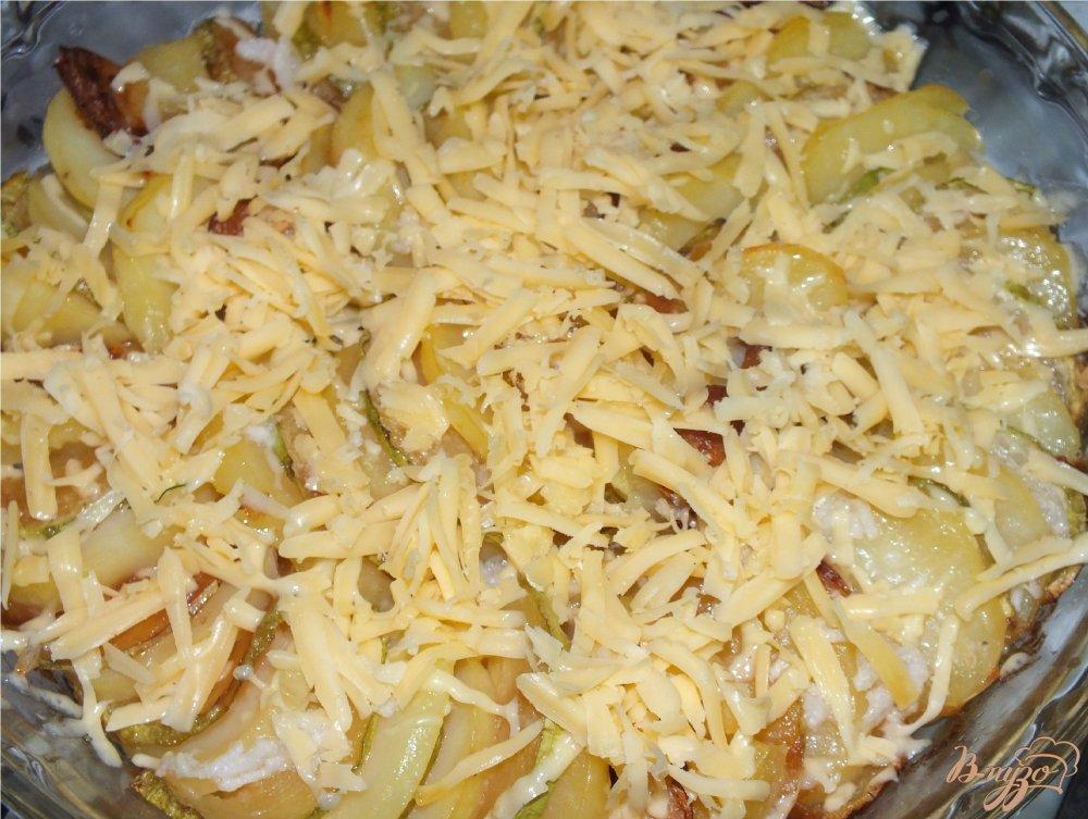 Фото приготовление рецепта: Запеченный картофель с кабачком шаг №4