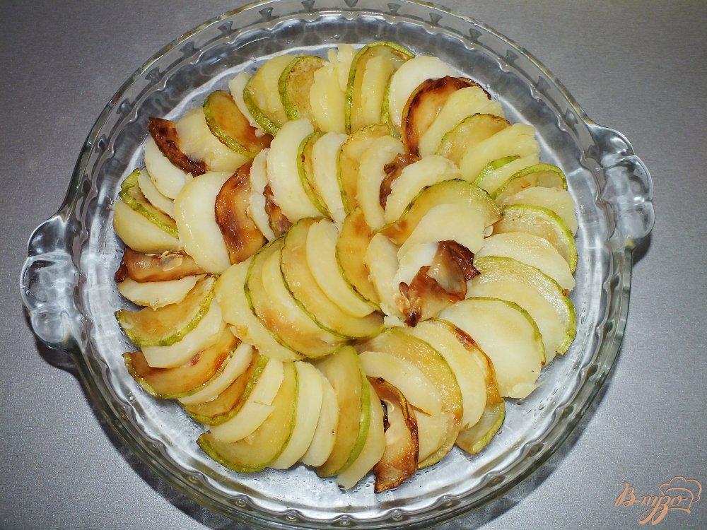 Фото приготовление рецепта: Запеченный картофель с кабачком шаг №2