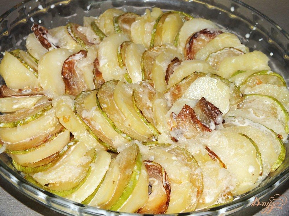 Фото приготовление рецепта: Запеченный картофель с кабачком шаг №3