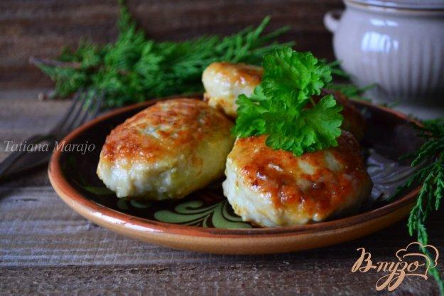 Рецепт Куриные котлетки с начинкой из сыра с песто