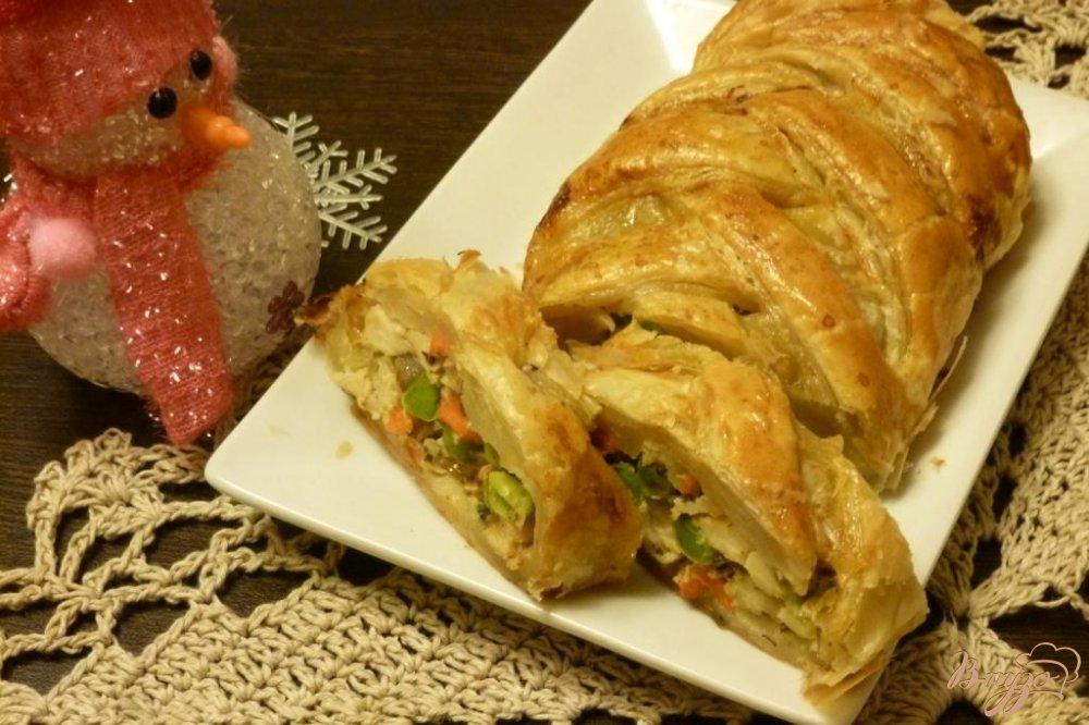 Фото приготовление рецепта: Пирог с куриной грудкой и зеленым горошком шаг №4