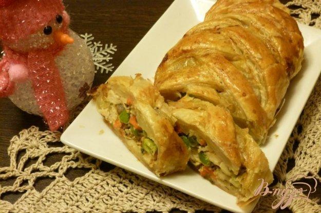 фото рецепта: Пирог с куриной грудкой и зеленым горошком