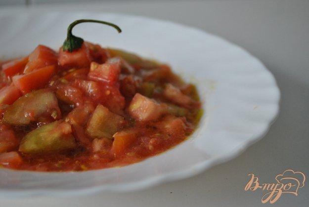 Рецепт Пикантный салат с помидорами и чили