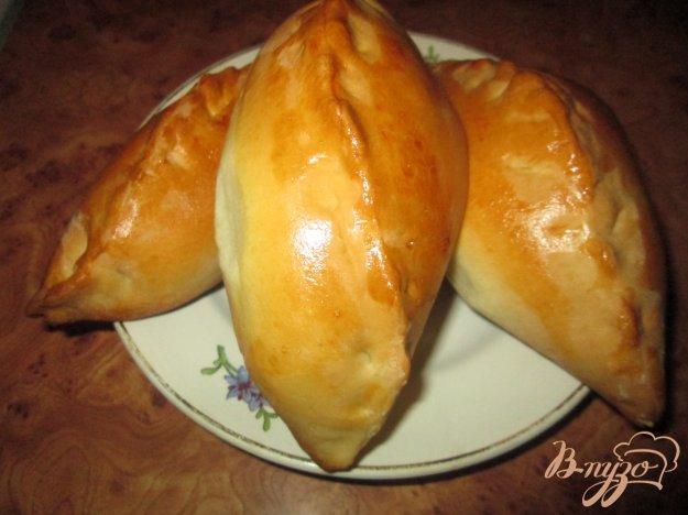 Рецепт Пироги с капустой и яйцом из готового дрожжевого теста