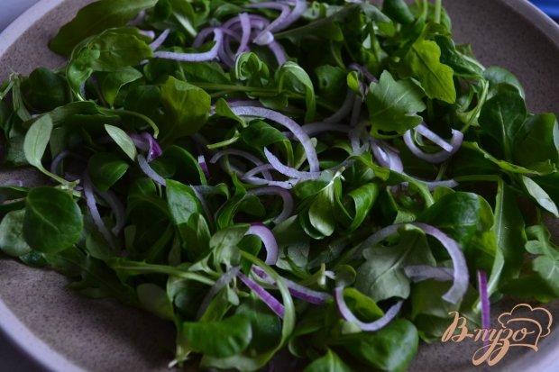 Салат с рукколой, фетой и отварной свеклой