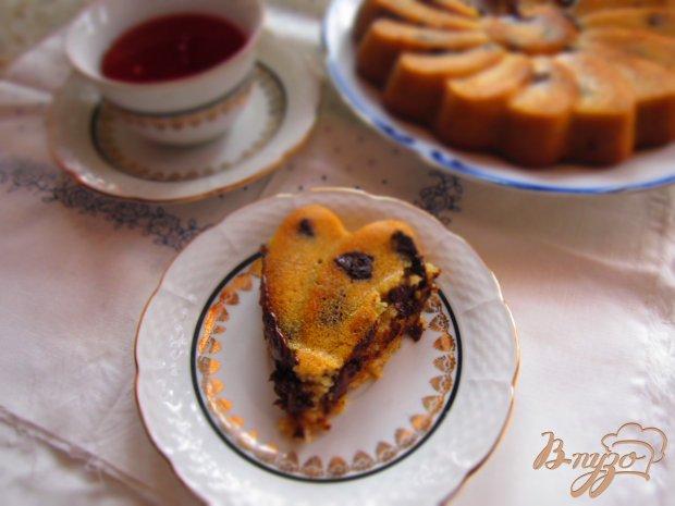 Манный пирог с кусочками шоколада