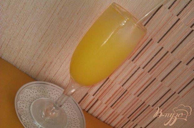 Лёгкий коктейль с ликёром  Лимончелло