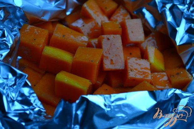 Салат с печеной тыквой и утиными желудочками конфи