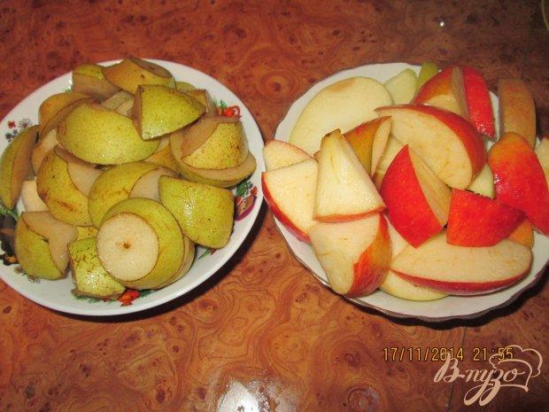 Компот с грушами, яблоками и малиной