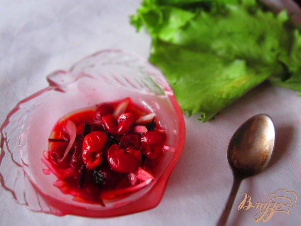 Салат с вишней