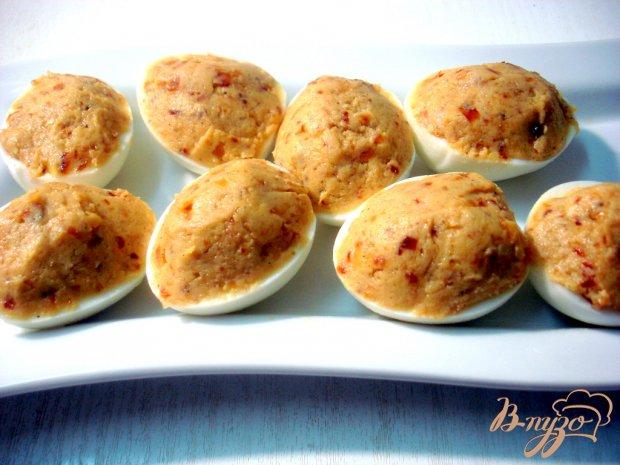 Яйца фаршированные луком и грибами