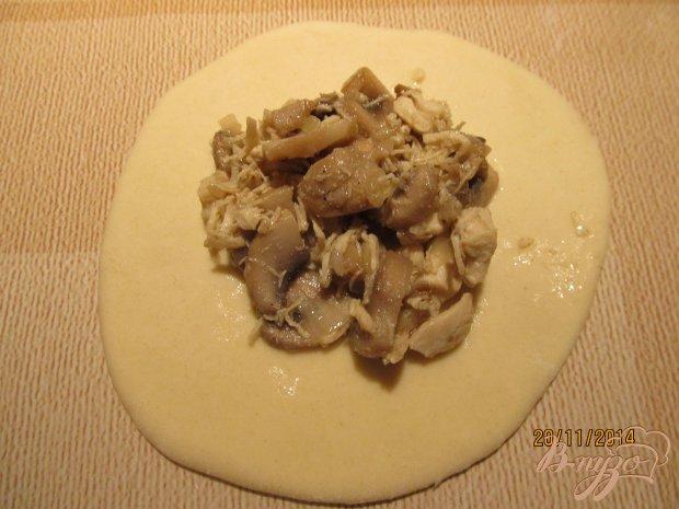 Пирожки с грибами и курицей