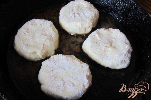 Сырники с курагой из творожной массы