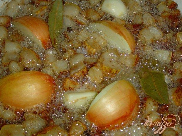 Смалец с луком, яблоком и чесноком