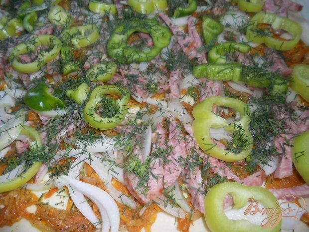 """""""Пицца"""" на слоеном тесте, с колбасой и овощами"""