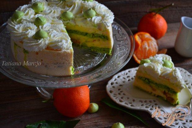 Торт с мандариновым кремом и меренгой