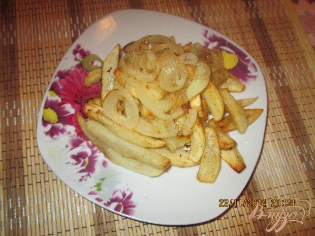 Жареный  картофель дольками