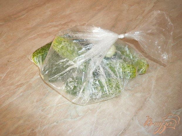 Малосольные огурчики в пакете
