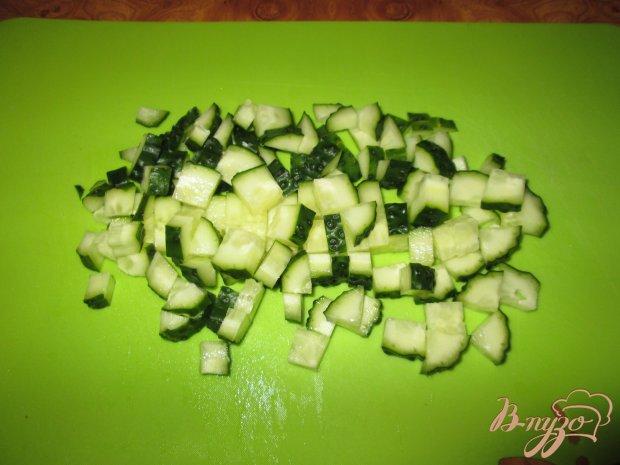 Салат с морской капустой, яйцом и огурцом