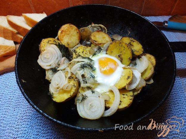 Рецепт Картофель запеченый с яйцом