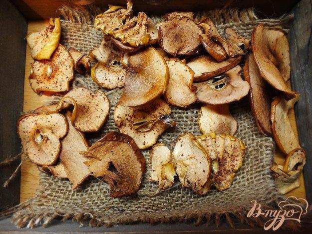 Рецепт Сушеные яблоки с корицей и гвоздикой в духовке