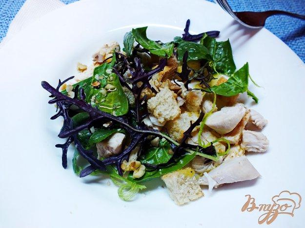 Рецепт Куриный салат с руколой и грецкими орехами