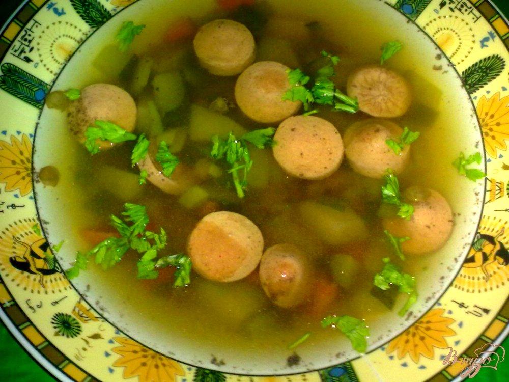 Фото приготовление рецепта: Суп с чечевицей и сосисками шаг №7
