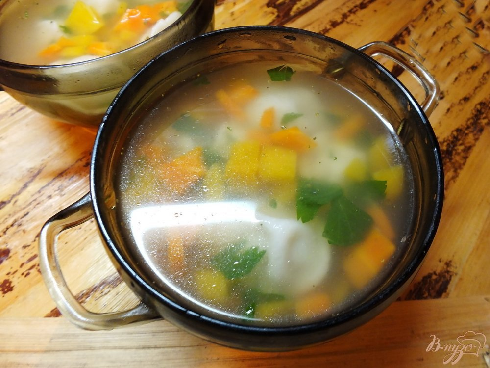 Фото приготовление рецепта: Суп с тыквой и пельменями шаг №5