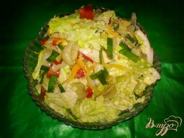 фото рецепта: Салат из двух видов капусты с грибами