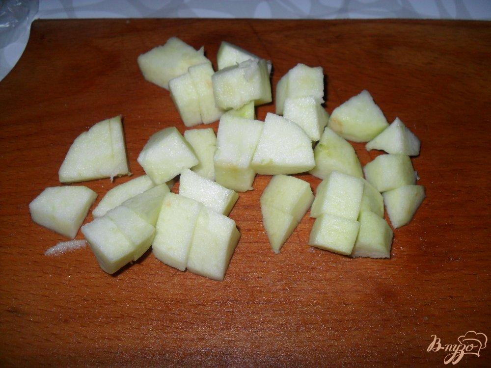 Фото приготовление рецепта: Тыква с яблоками на сковороде шаг №2