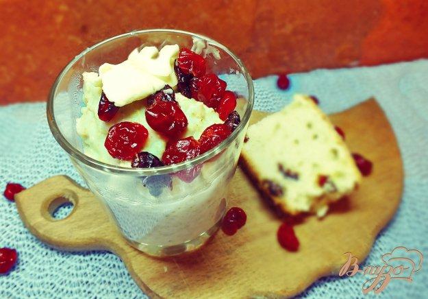 Рецепт Каша овсяная с вялеными ягодами и медом