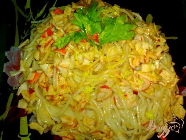фото рецепта: Спагетти с крабовыми палочками