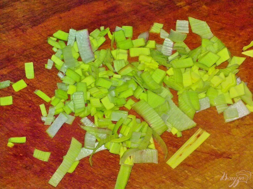 Фото приготовление рецепта: Салат свекольный с семечками подсолнуха шаг №3