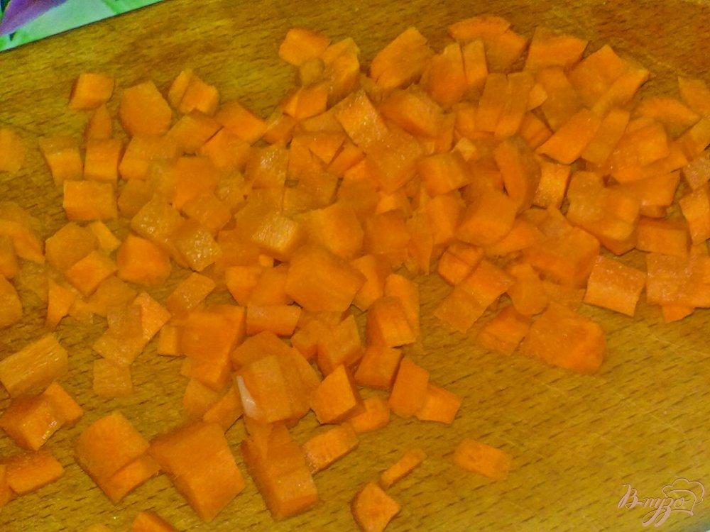 Фото приготовление рецепта: Суп с сырными шариками шаг №4