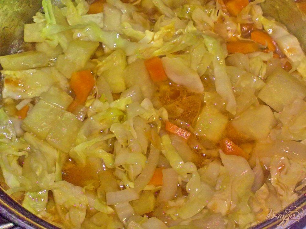 Фото приготовление рецепта: Картофель в соусе с овощами шаг №5