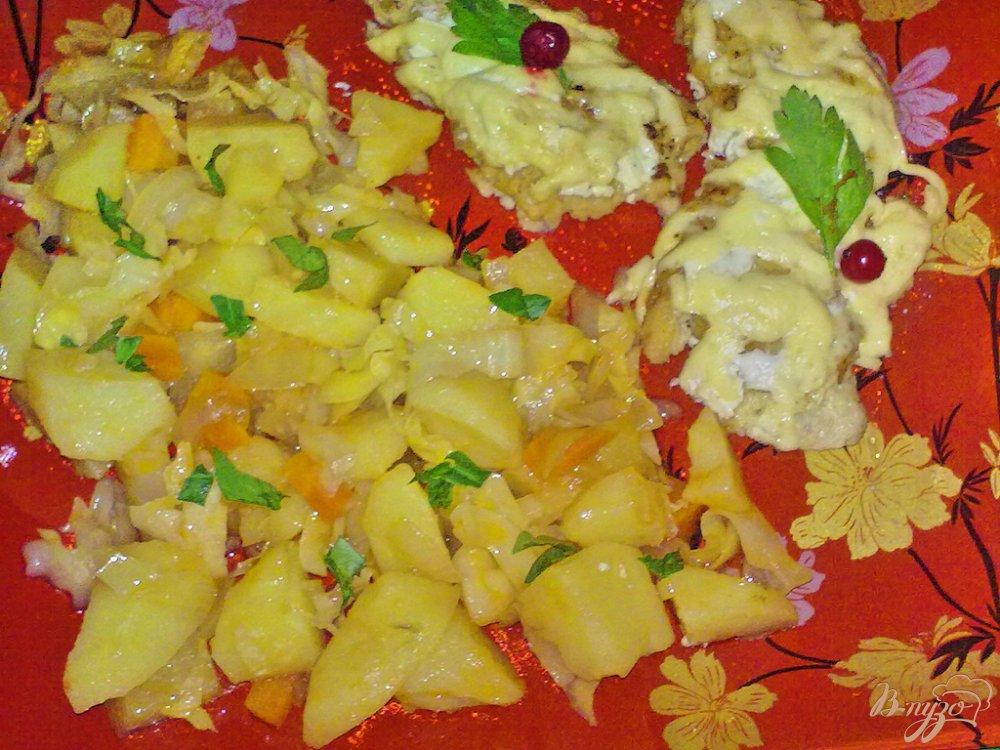 Фото приготовление рецепта: Картофель в соусе с овощами шаг №8