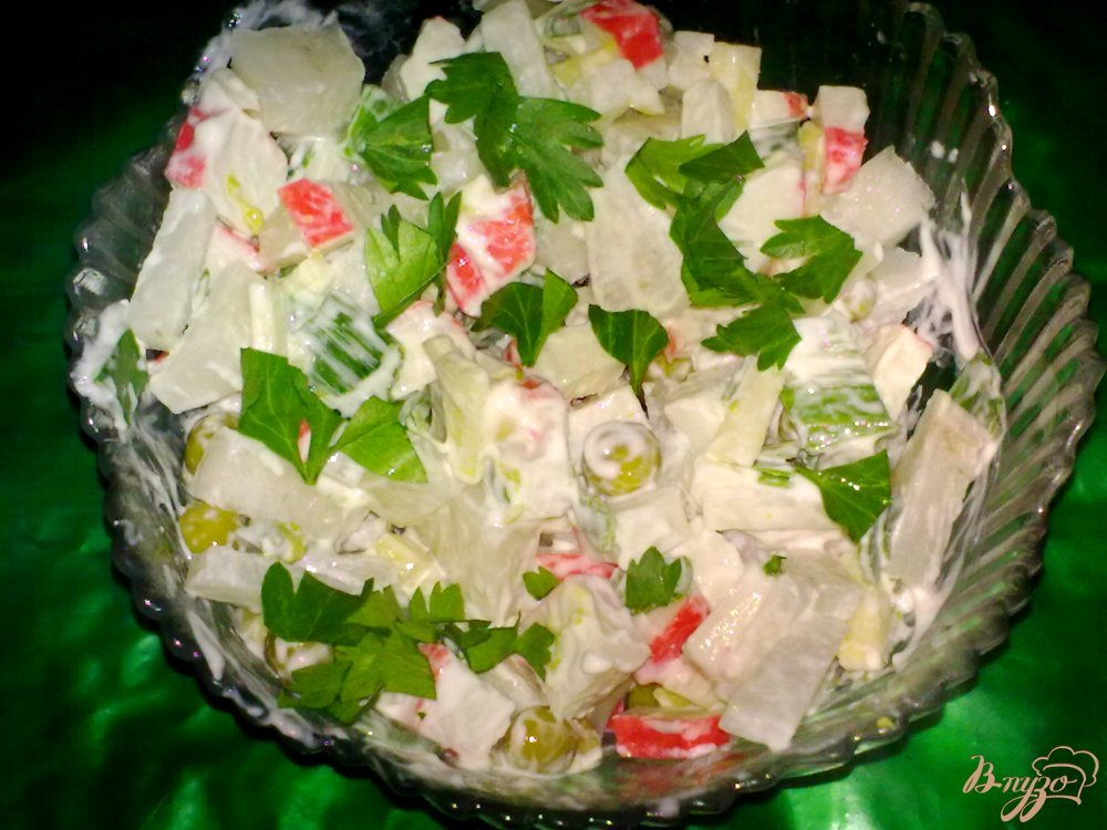 Фото приготовление рецепта: Салат из дайкона шаг №4