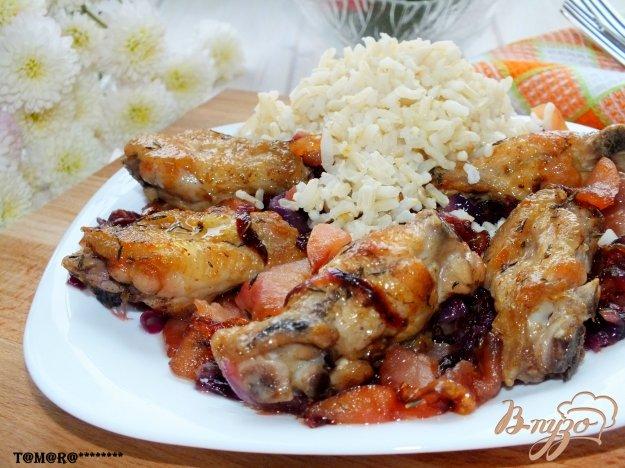 Рецепт Куриные крылья с карамелизированными яблоками и луком