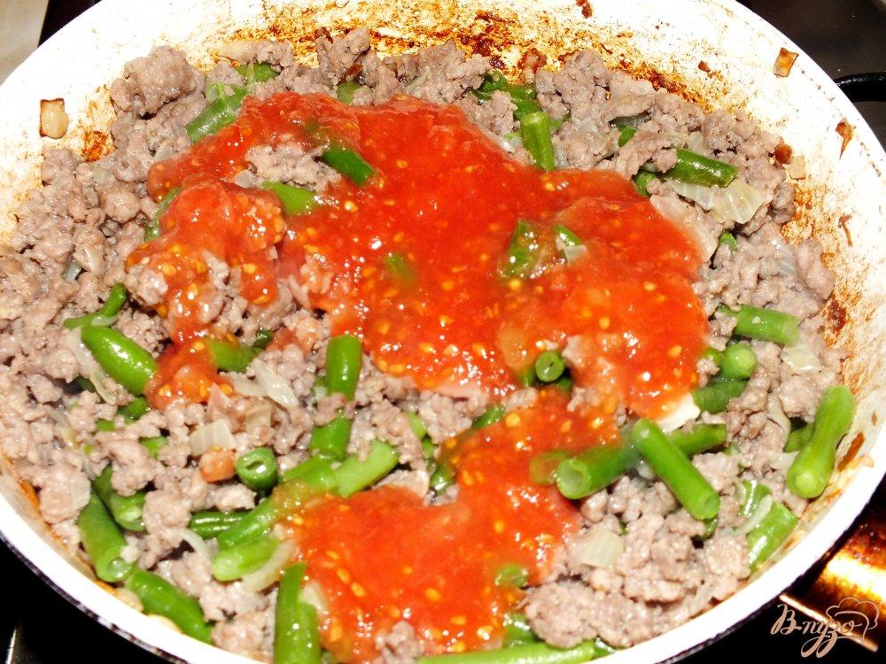 Фото приготовление рецепта: Рис с фаршем и стручковой фасолью шаг №5