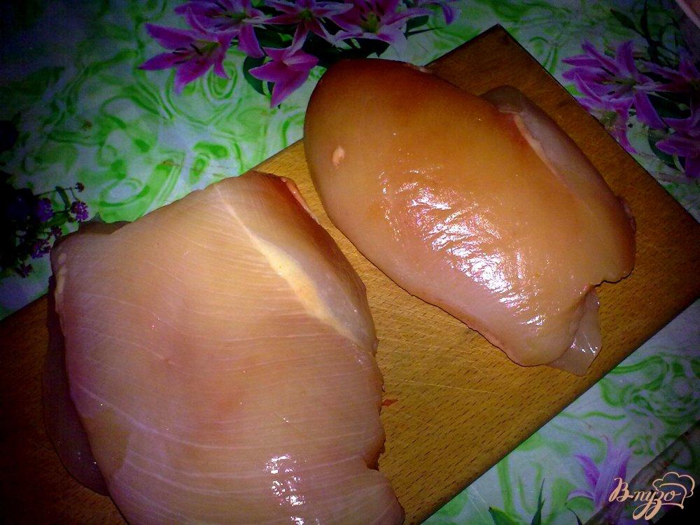 Фото приготовление рецепта: Куриное филе на подушке шаг №1
