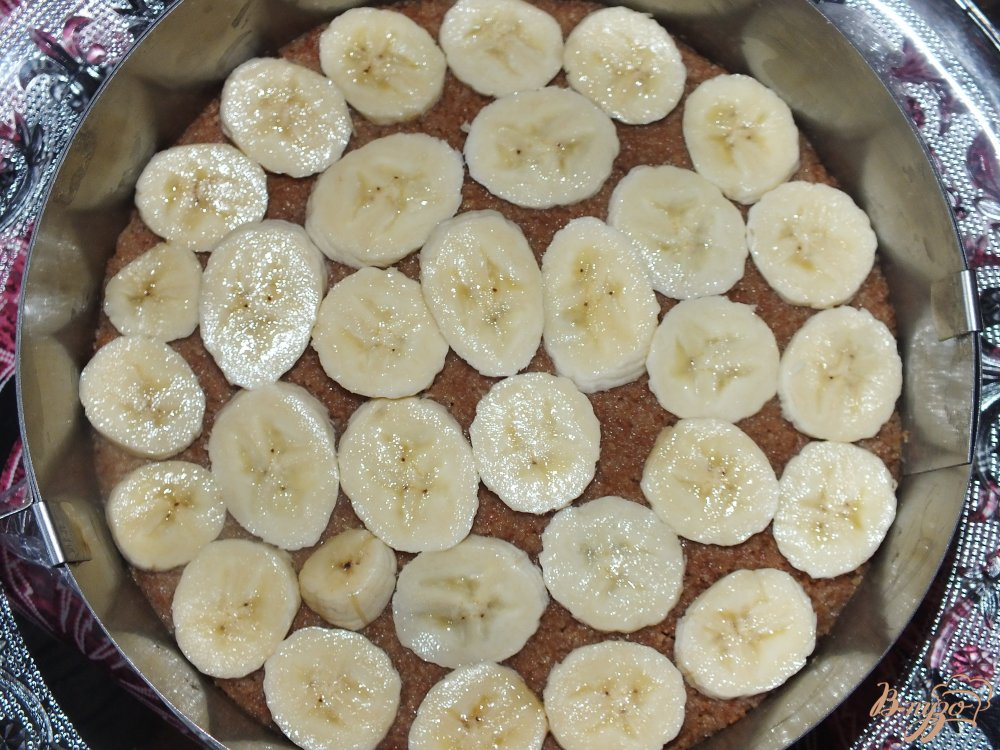 Фото приготовление рецепта: Торт творожный с фруктами шаг №3