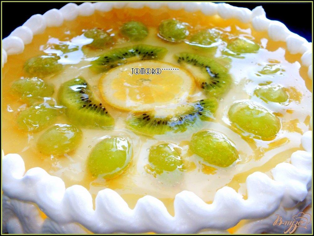 Фото приготовление рецепта: Торт творожный с фруктами шаг №7